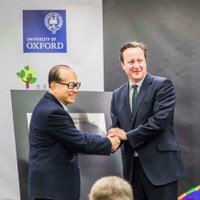 David Cameron and Ka-shing Li